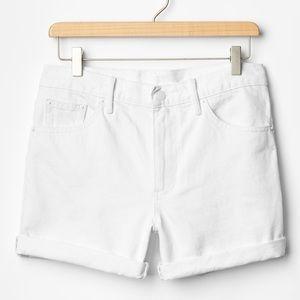 GAP 1969 Sexy Boyfriend Shorts in White Denim